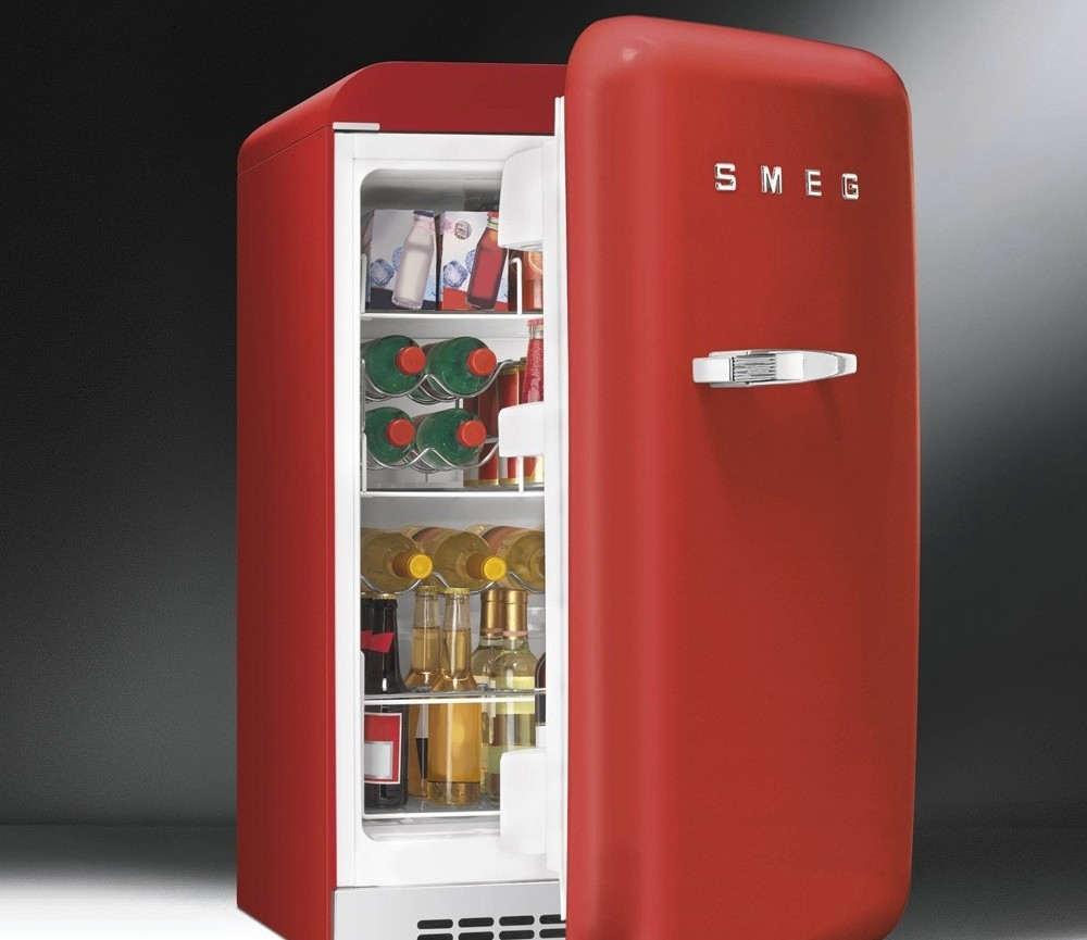 awesome frigo smeg minibar fablr with frigo smeg rouge. Black Bedroom Furniture Sets. Home Design Ideas